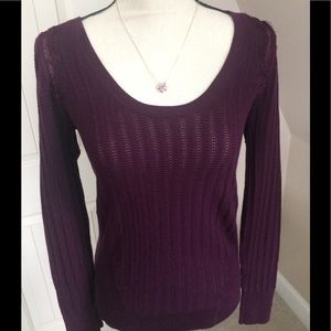💐💐Victoria's Secret Knit Sweater Size Medium 💐